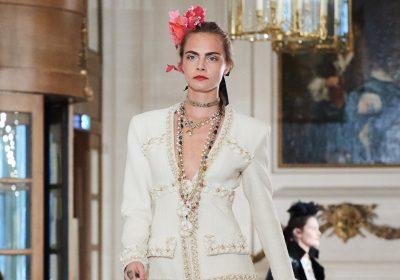 Coleção Métiers d'Art Paris Cosmopolite 2016/17 da Chanel foi apresentada no Ritz em Paris