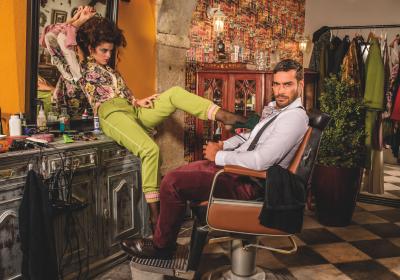 Antiga Barbearia do Bairro lança calendário para 2017 com nomes famosos
