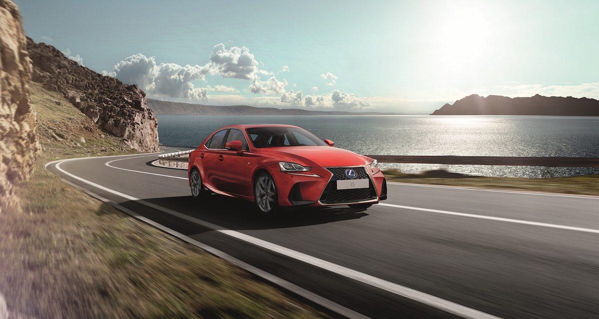 Lexus IS chega à 3.ª geração com muita tecnologia à mistura