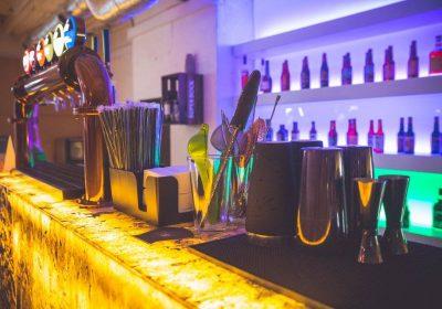 Uma loira, uma morena e uma ruiva estão num bar no Cais de Sodré… isso é Malt