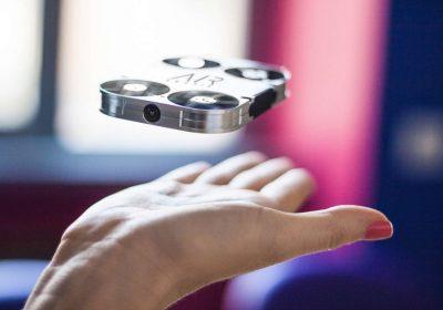 AirSelfie: um pequeno drone para uma (air)selfie como deve ser