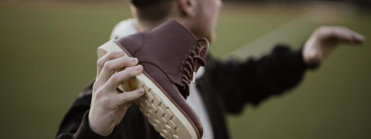Depois do Super Bowl, empresa nova iorquina lança botas com pele das bolas de futebol
